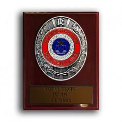 Plaque de ceinture administration pénitentiaire sur présentoire bois Produits Personnalisables PCEAPSBProduits Personnalisables